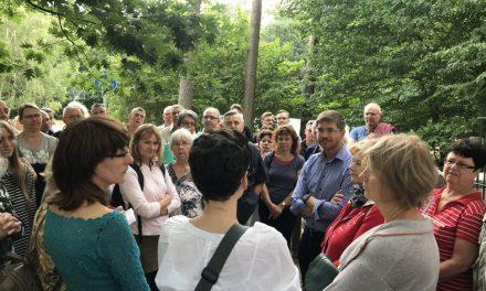 """Mit der Bürgerinitiative """"Bürger für Waldstadt"""" zum Schulcampus"""