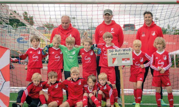 Fußball-Spaß und wenig Schlaf für Rot-Weiß-Kicker an der Ostsee