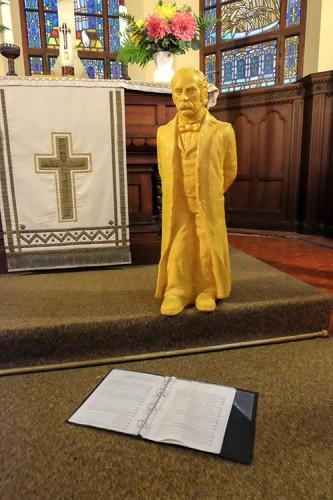 Fontane war höchstselbst anwesend – als Skulptur von Künstler Ottmar Hörl