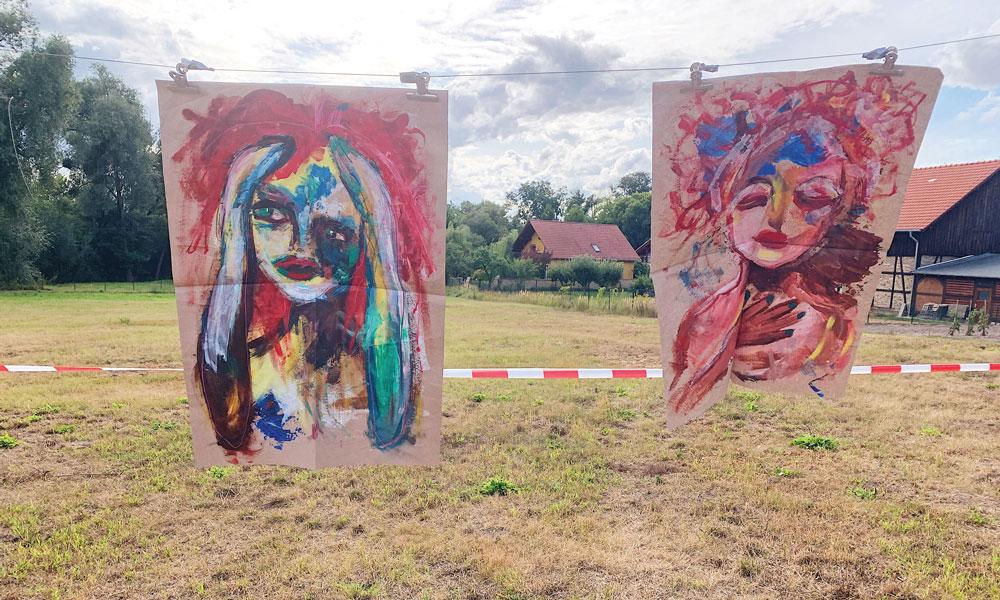 Kunst auf Packpapier von Kamila Liebegall