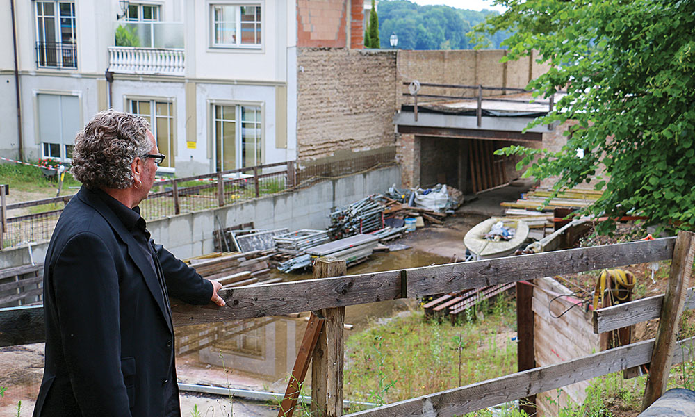 Zwick möchte die Baugrube bald schließen und die Café-Terrassen eröffnen