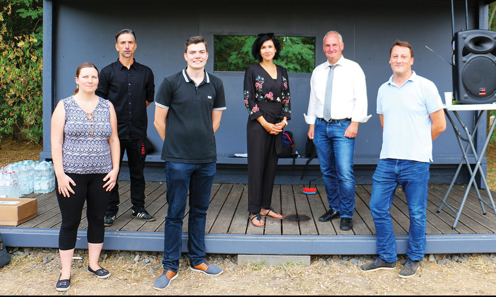 Die Initiator*innen und die Beigeordneten: Uwe Adler, Noosha Aubel, Bernd Rubelt (v.l. hinten), Tina Lange, Leon Troche, Sascha Krämer (v.l. vorne)