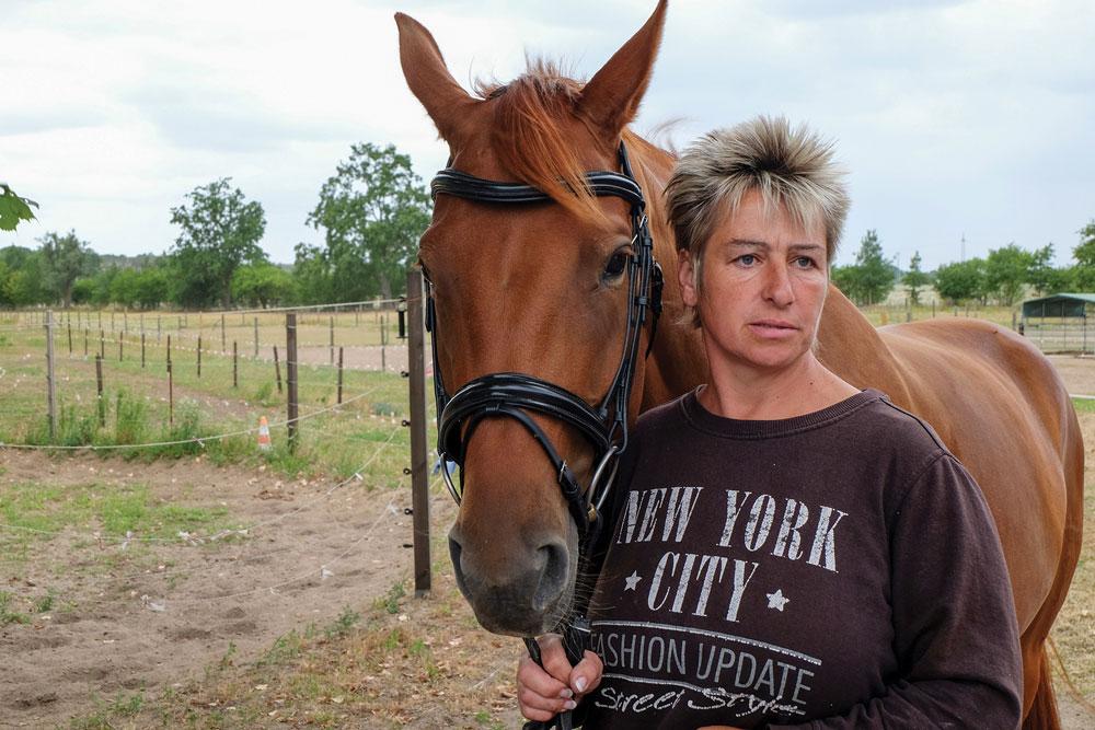 Mia San Mia mit ihrer Besitzerin Inge Huschke