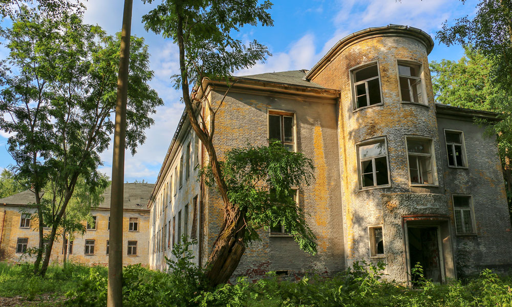 Welche Geheimnisse enthüllen die Ruinen in Krampnitz?