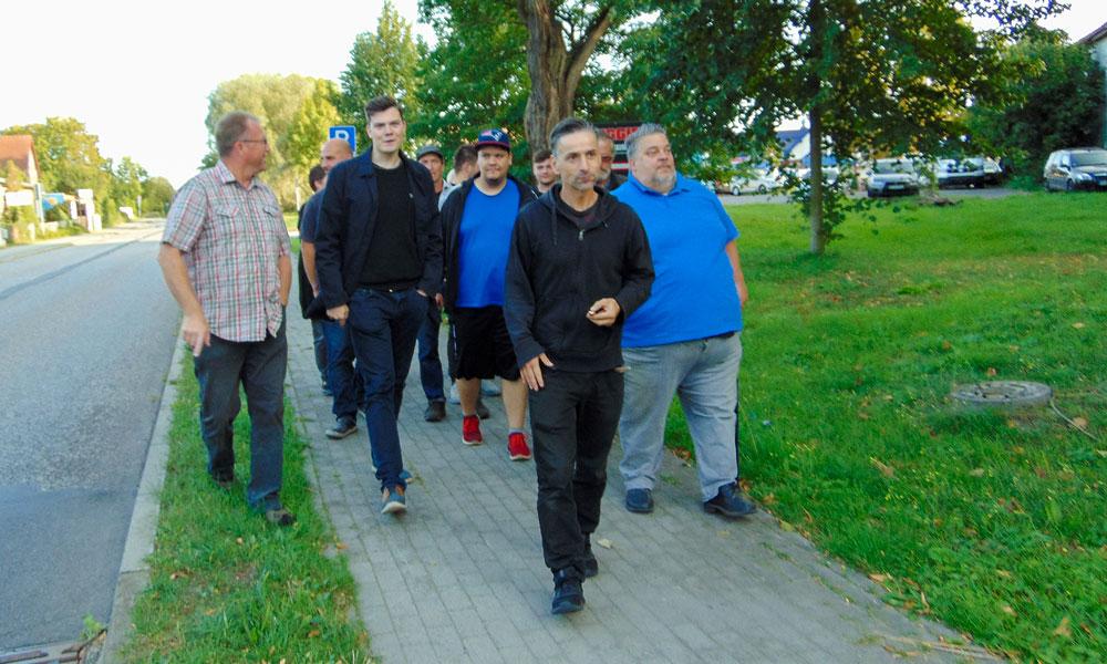 Am Donnerstag, dem 17.9.2020, trafen sich ca. 25 Uetz-Paarener, um medienwirksam auf das Problem aufmerksam zu mach