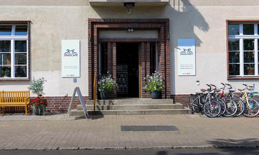 In der Sakrower Landstraße 4, in der jetzt schon das 2Rad-Café und der 2Rad-Laden sind, entsteht der neue soziale Treffpunkt von Kadow/Gatow