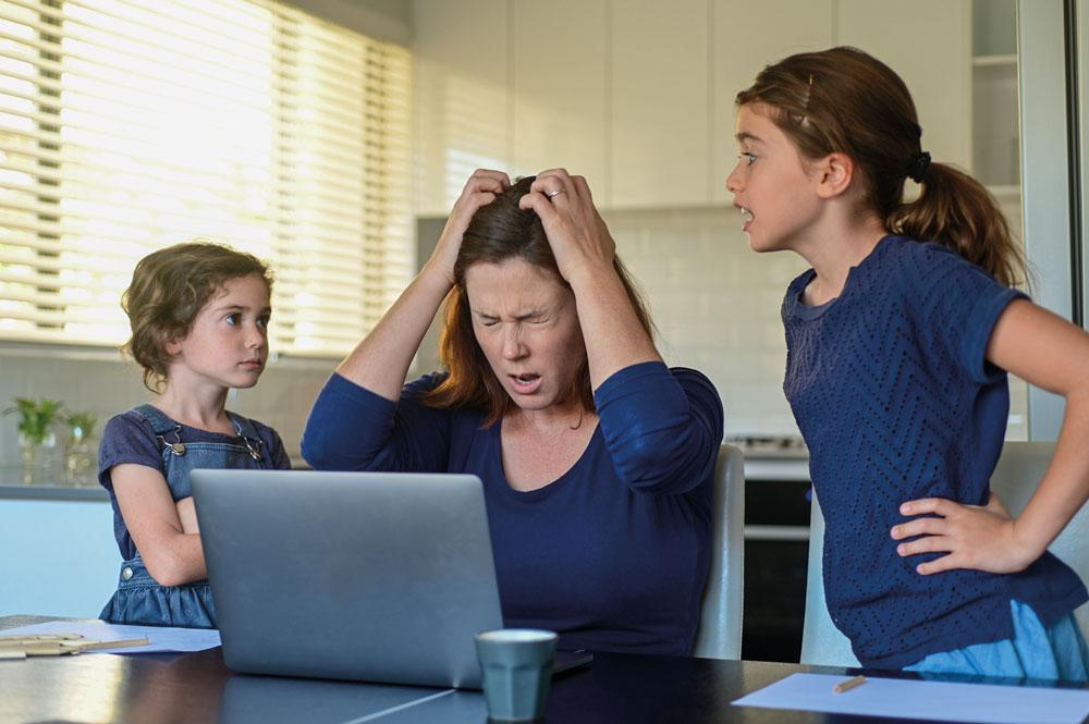 Home-Office und Home-Scholling. Wie lange müssen Eltern noch die Doppel- und Dreifachbelastung hinnehmen? Warum immer noch kein praktikables Schulöffnungskonzept vorliegt, ist nicht zu verstehen.
