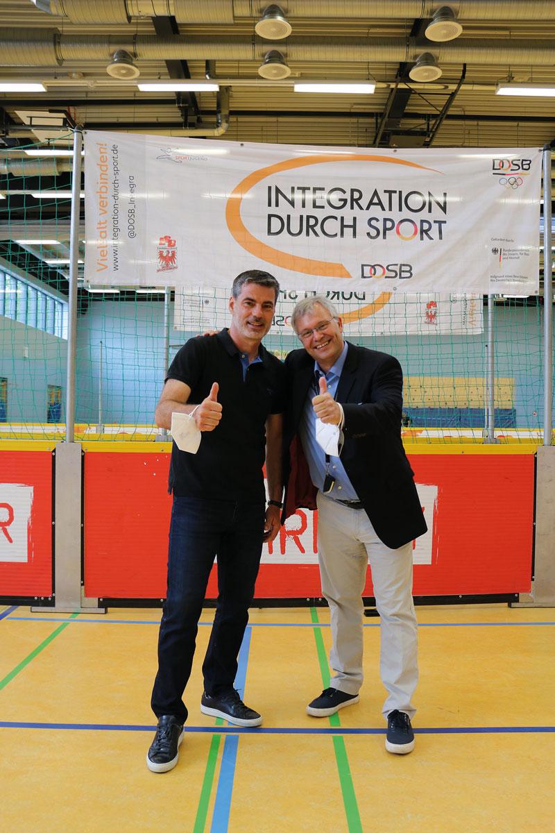 Starke Partner: René Tretschok (Deutsche Soccer Liga, l.) und Sascha Seide (MasterCard, r.).
