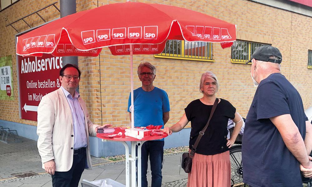 Der Wahlkampf ist in Potsdam angekommen. Die SPD-Mitglieder werben – wie die anderen Parteien auch – um möglichst viele Stimmen.